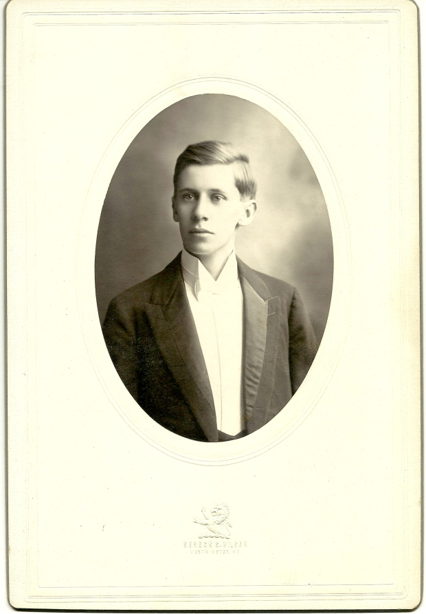 Cabinet card photograph of John Hunt Hendrickson by Streck S. Wilson, Westminster, Md.